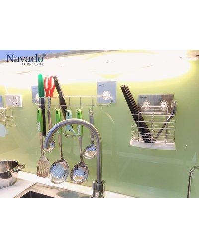 Kệ ống đựng đũa inox dán kính màu bếp