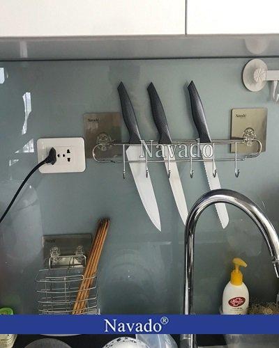 Giá treo dao thớt nhà bếp tiện ích