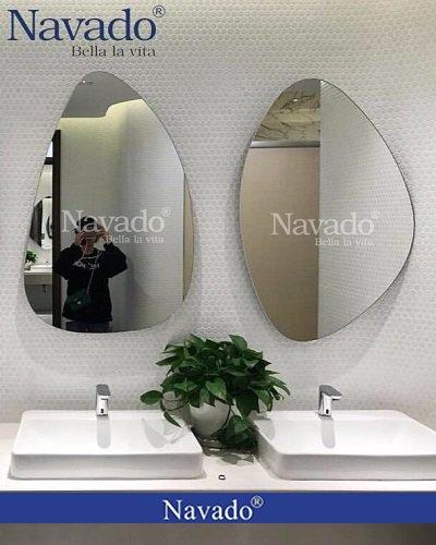 Gương nhà tắm hình thù độc đáo