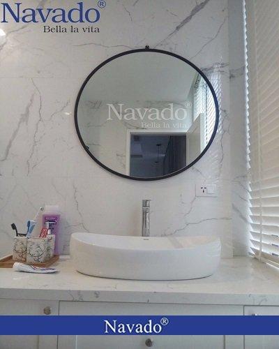 Gương nhà tắm D600 vành thép đen