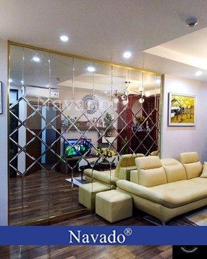 Thi công gương ghép dán tường trang trí phòng khách tại Hà Nội