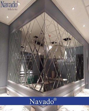 Gương ghép nghệ thuật sang chảnh cho phòng khách
