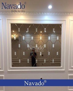 Gương ghép ô dán tường màu trà phòng khách
