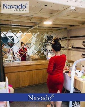 Gương ghép trang trí cho cửa hàng spa