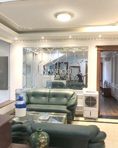 Gương bỉ ghép ô dán tường trang trí phòng khách