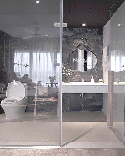 Gương tròn treo dây da cho phòng tắm
