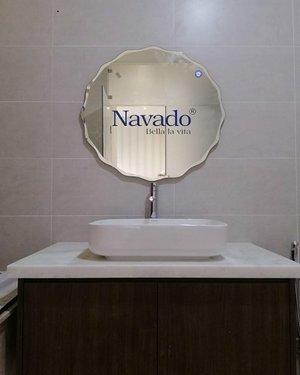 Gương bỉ gắn tường nhà tắm