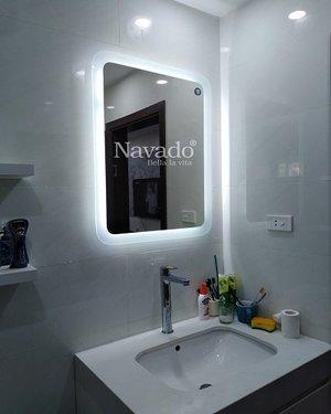 Gương đèn phôi bỉ treo tường phòng tắm